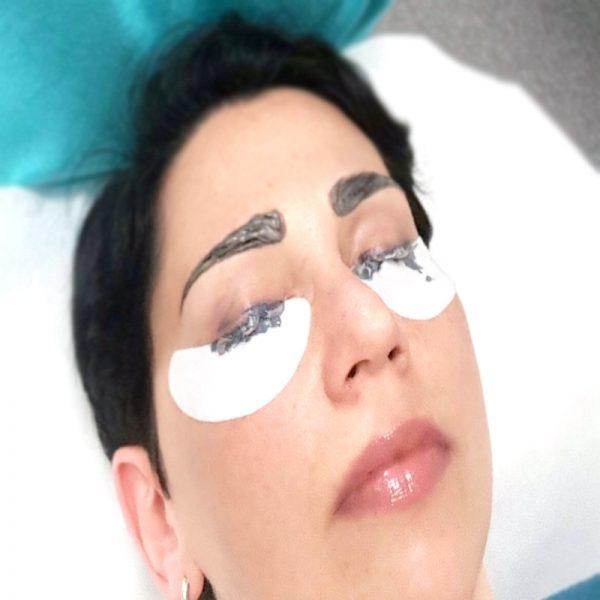 eyebrow and lash tinting